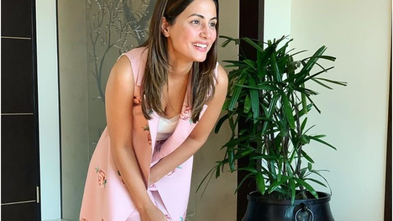 Hina Khan's Tips For Healthy-looking Skin