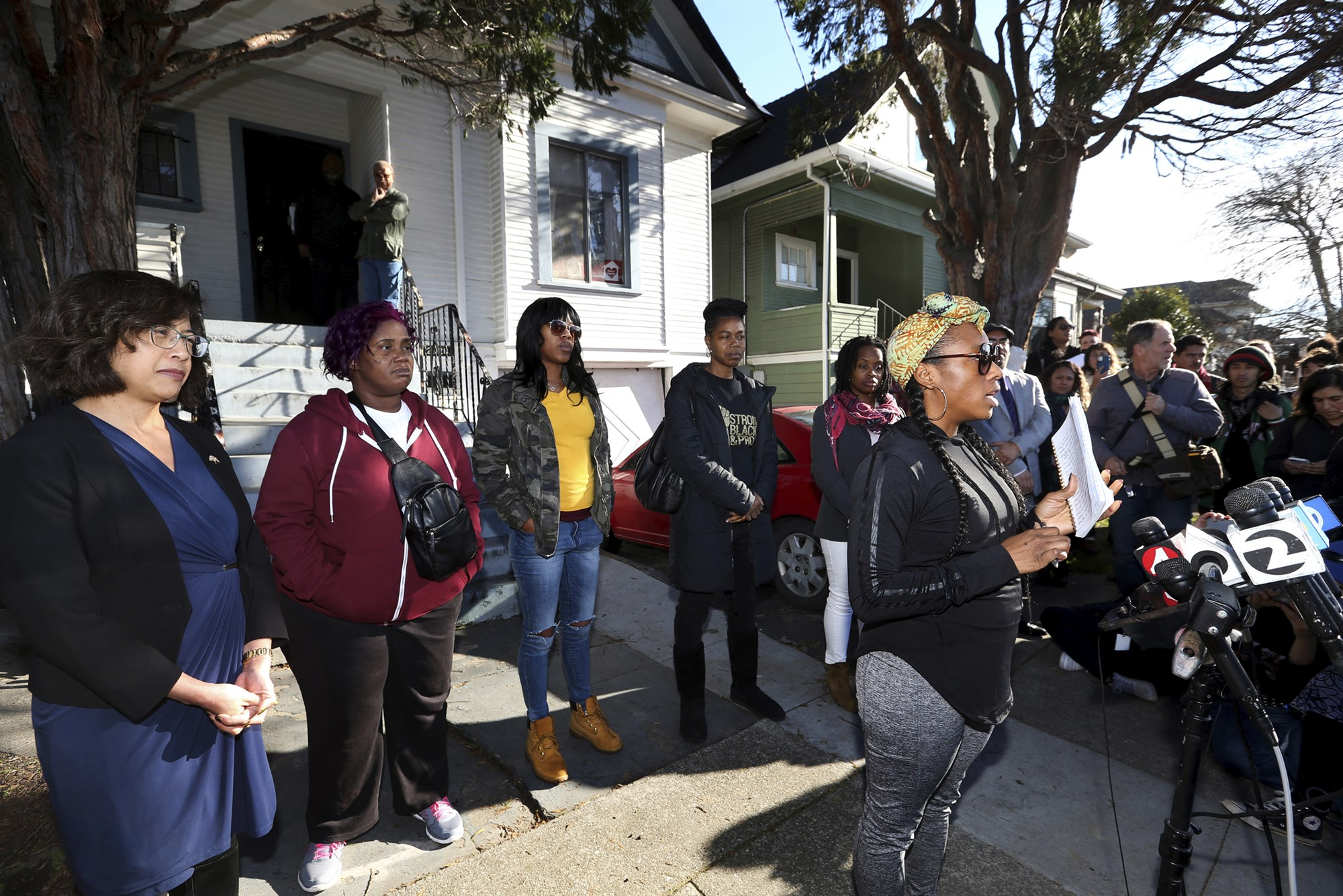 Homeless moms evicted after long fight to live in vacant California home